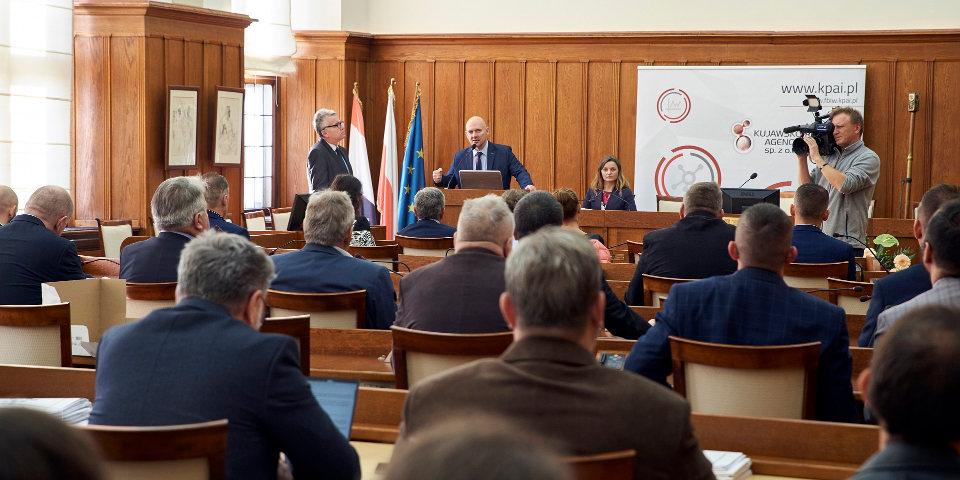 """Uroczyste podpisanie umów z Grantobiorcami II naboru """"Funduszu Badań i Wdrożeń – Voucher Badawczy"""